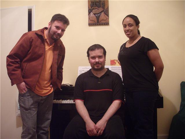 Eu, Artur e a colega Queila, co-produtora da entrevista